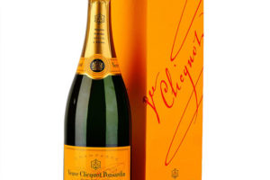 Veuve Clicquot NV Champagne