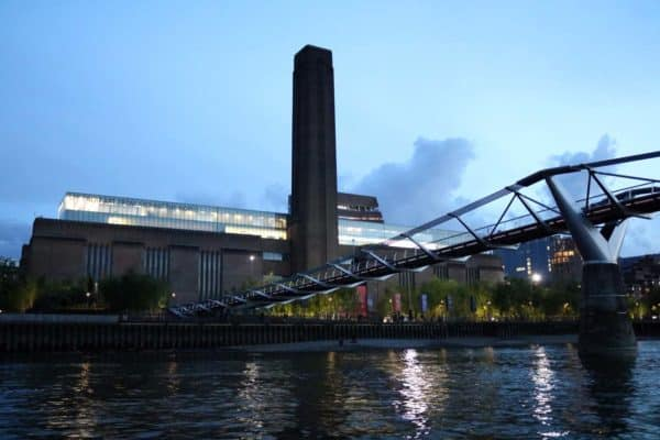 Tate Gallery of Modern Art & the Millennium Bridge