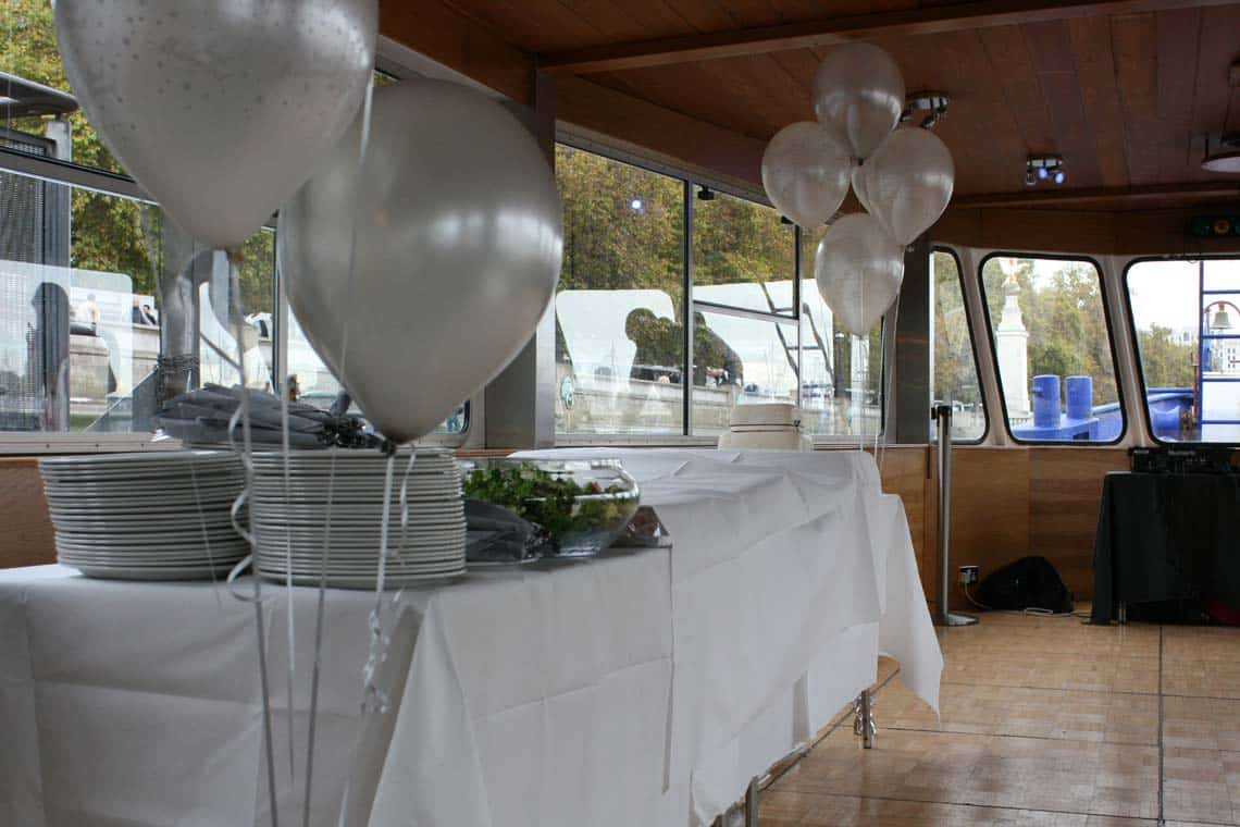 Private Charters & Dining Cruises