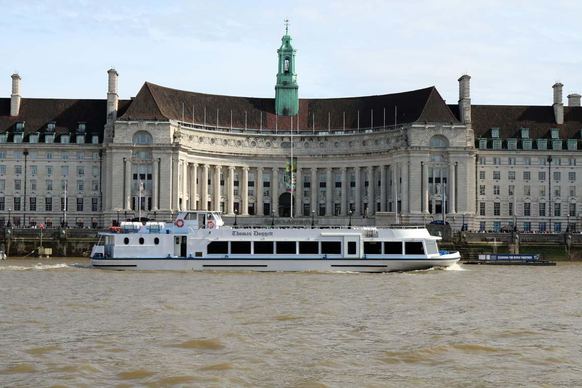 M.V Thomas Doggett   Viscount Cruises / Thames River Services