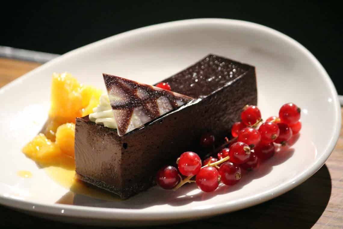 Chocolate Mouse with Caramelised Oranges (v)
