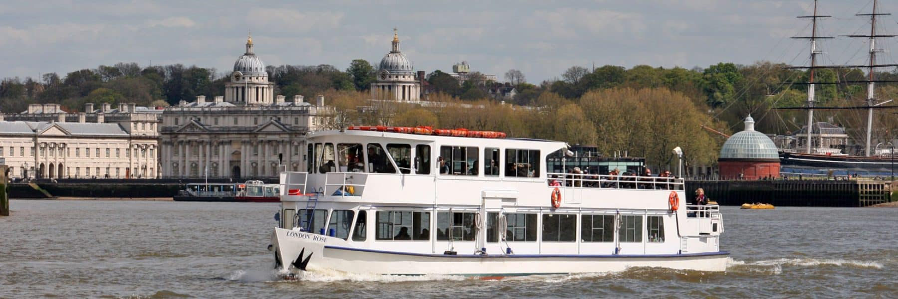 M.V London Rose passing the Royal Borough of Greenwich