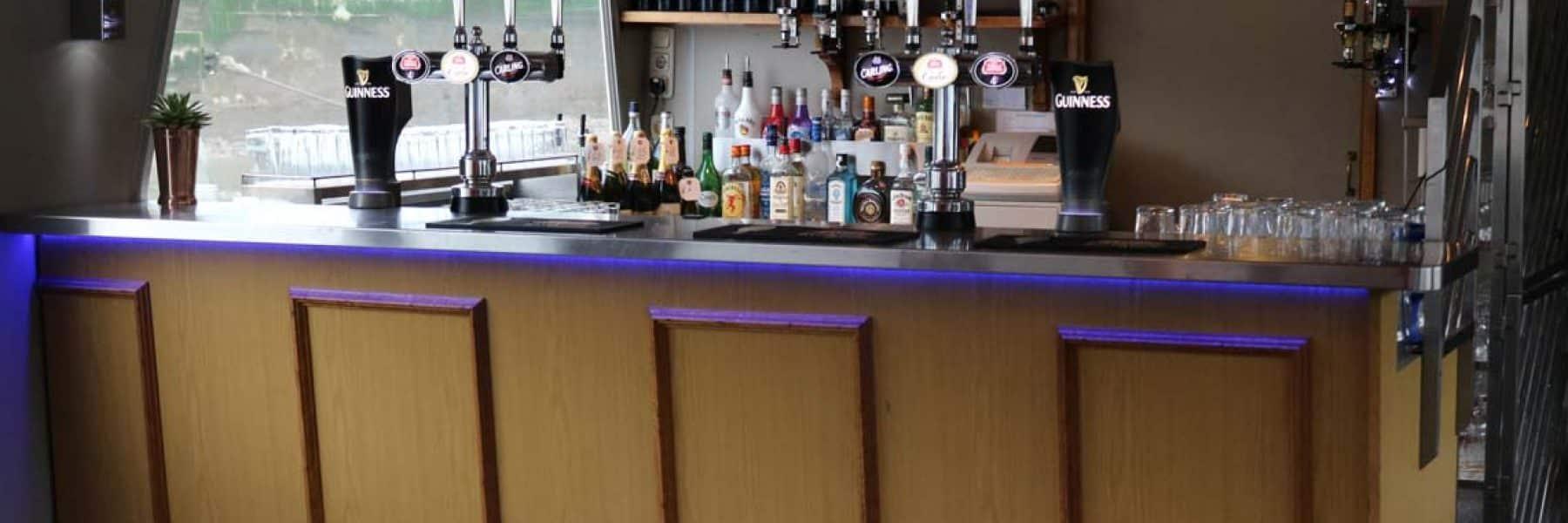 M.V Avontuur IV, Fully-Licensed Bar