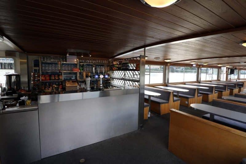M.V London Rose, Fully Licensed Bar